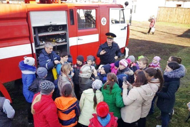 Рятувальники провели захід «Життя без диму і вогню» в рамках акції «Запобігти. Врятувати. Допомогти»