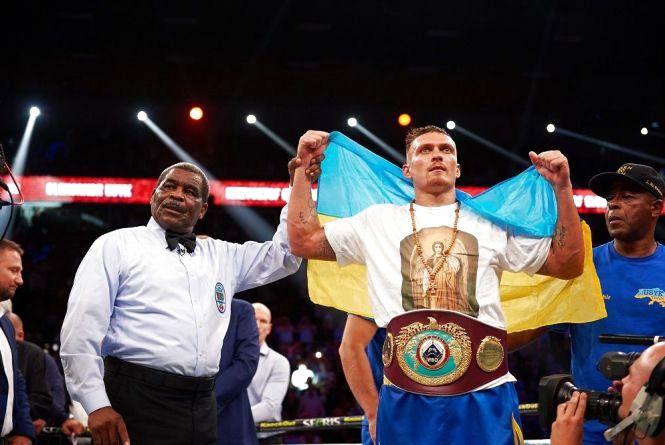 Олександр Усик 5 років на професійному рингу