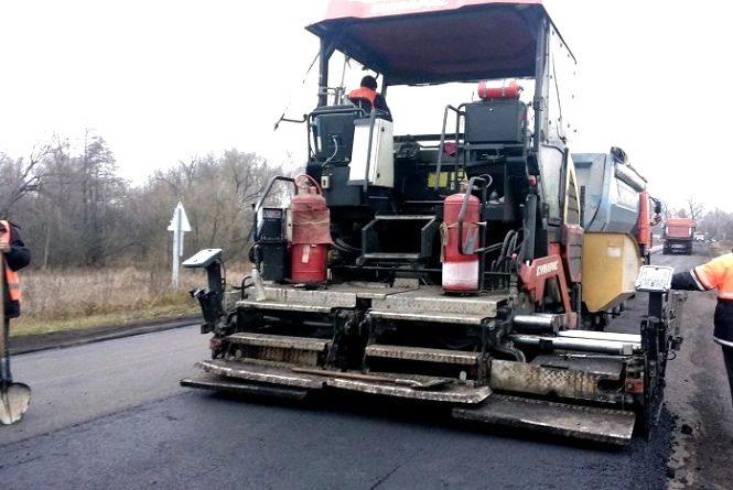 На дорозі Черняхів–Малин–Людвинівка завершують ремонтні роботи