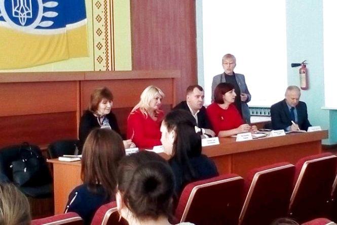На Житомирщині обговорили необхідність соціальних послуг у громадах для прийомних сімей та ДБСТ