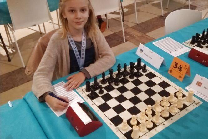 Дев'ятирічна житомирянка Марина Петренко посіла 33 місце в світовому рейтингу з шахів серед дівчат