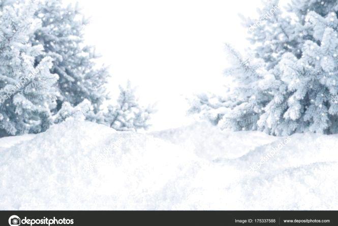 У снігових заметах опинилися мікроавтобус та вантажівка