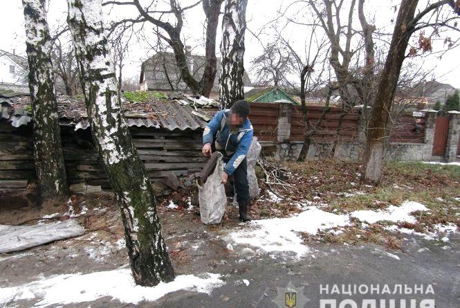 Поліцейські затримали жителя Новограда-Волинського за крадіжки каналізаційних решіток з автошляхів