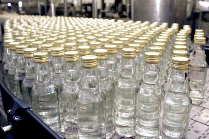 У Малині під час обшуків вилучено 3,5 тонни незаконно виготовленого алкоголю та тютюнових виробів