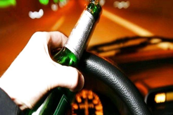 Великі штрафи не лякають: на дорогах області впродовж свят зупинили 65 нетверезих водіїв