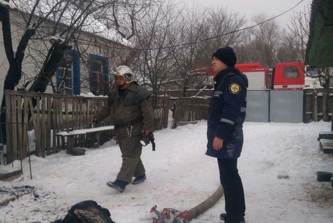 Пожежа у Радомишильському районі: вогнеборці врятували жінку