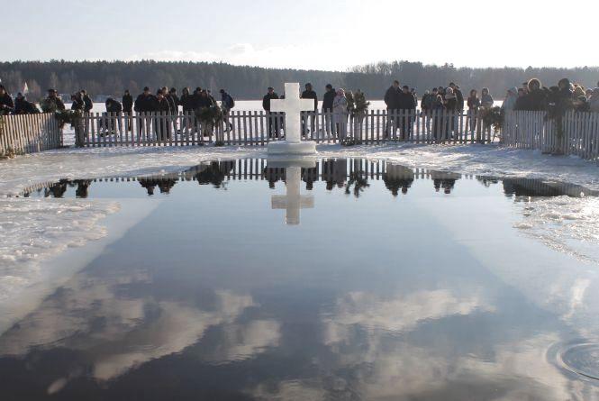 Як в Житомирі пройшли свята Водохреща та зимове купання в Гідропарку. ФОТО, ВІДЕО