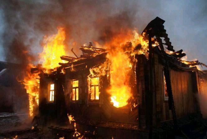 У Бердичеві згорів приватний будинок, господиня  - у лікарні