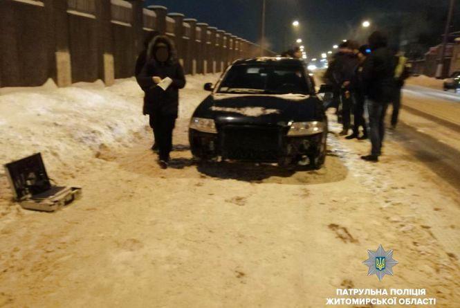 На проспекті Незалежності в Житомирі патрульні зупинили авто з наркотиками