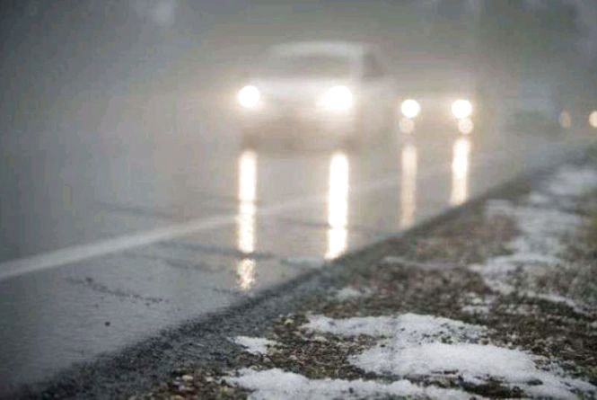 Дорожники попереджають про нестійку погоду і мокрі дороги