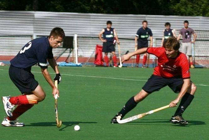 """На Житомирщині планують створити дитячо-юнацьку спортивну школу """"Старт"""" з хокею на траві"""