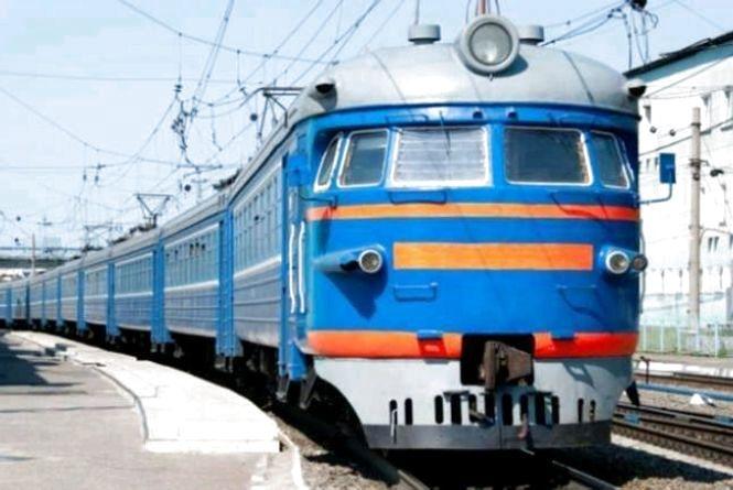 У Новоград-Волинському районі пенсіонера збив потяг Київ-Перемишль