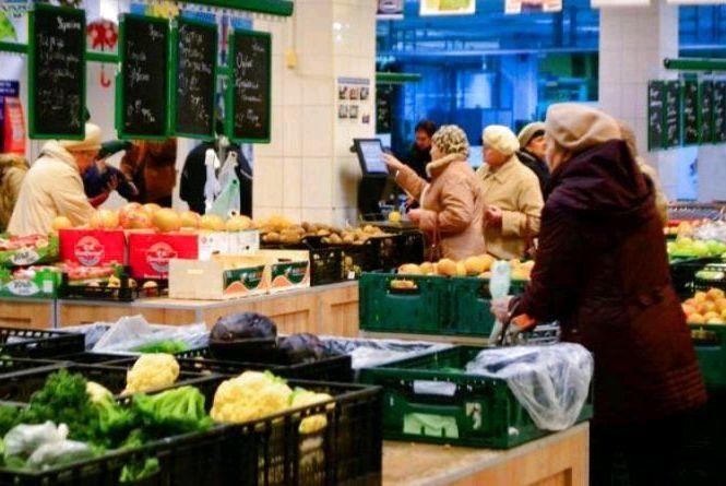Середня зарплата вміщує більше продуктів, ніж рік тому, - експерти