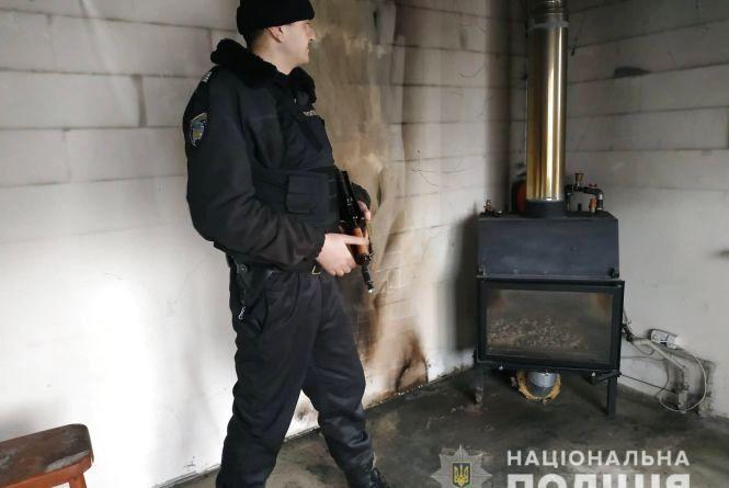 У Житомирі поліцейські охорони врятували будинок від пожежі