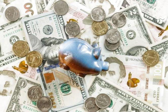 На митниці - нові правила переміщення валюти через кордон