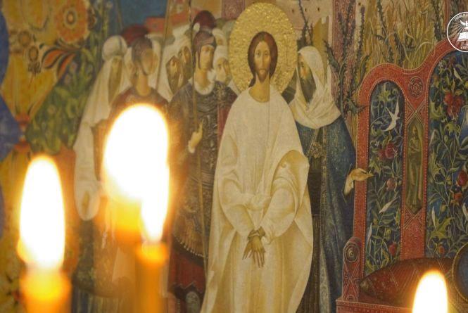 У Свято-Михайлівському соборі презентують ескізи розписів, які наступної осені з'являться на стінах храму