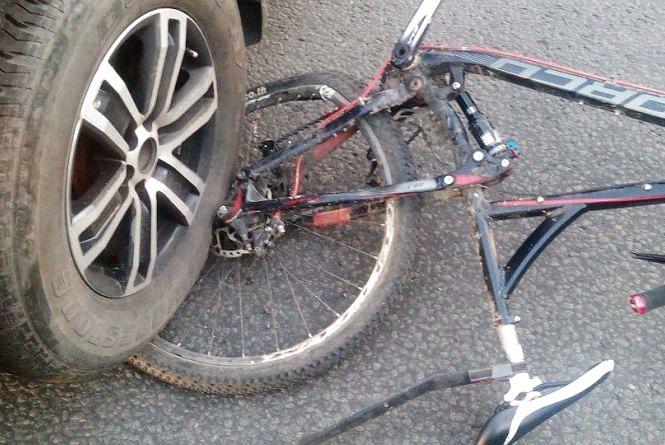 У Коростені під колесами легковика загинув велосипедист