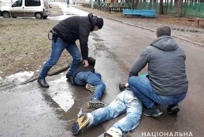 В Іршанську затримали групу домушників, які щойно обчистили оселю