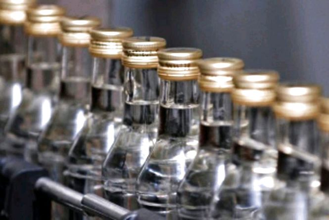На Житомирщині судитимуть ділка, який купував, зберігав та збував фальсифікований алкоголь