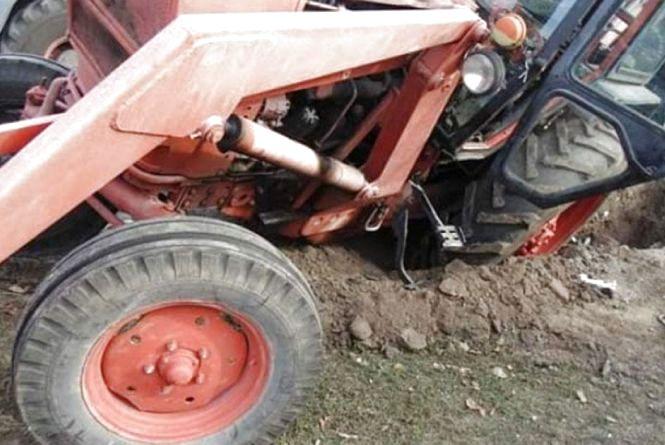 У Любарському районі під час польових робіт на землях технікуму трактор смертельно травмував студента