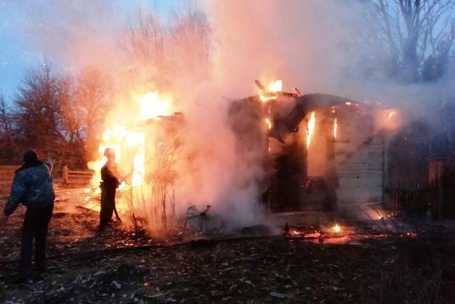 Упродовж доби в області на пожежах задихнулося двоє людей