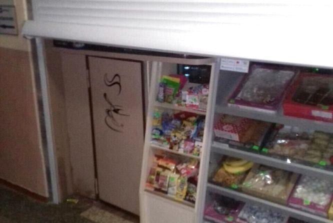 """У Черняхові """"на гарячому"""" затримали магазинних злодіїв"""