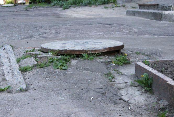 Житомиряни вимагають від міської влади негайного ремонту тротуарів