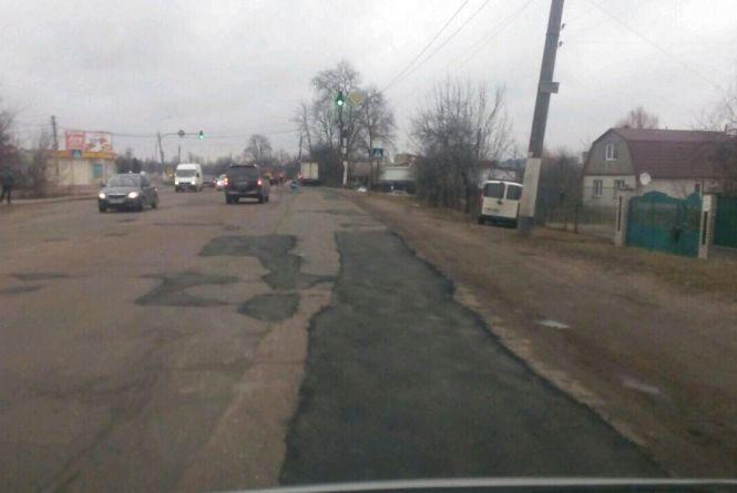 У Житомирі триває ямковий ремонт вулиць