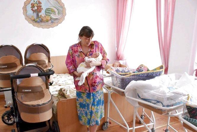 Мама першої у 2019 році трійні на Житомирщині: Коляска – дійсно потрібний подарунок для нас