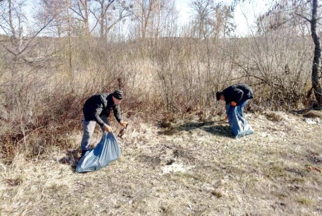 Колектив житомирського водоканалу прибрав сміття вздовж річки Тетерів від Тетерівки до Корчака