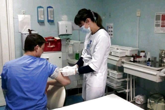 Вакцинація стала ще доступнішою: знято застарілі обмеження щодо лікарів-ФОП і кабінетів щеплень