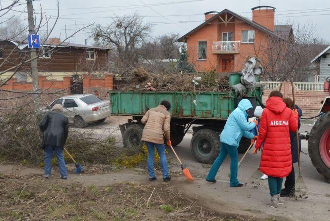 Сьогодні житомиряни масово вийшли на прибирання та благоустрій міста