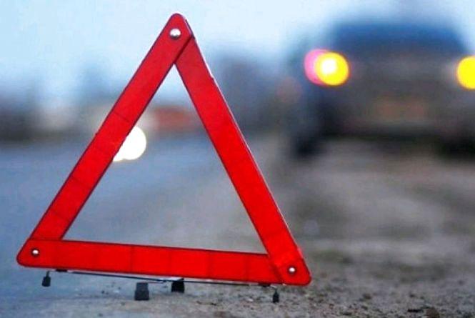 У Баранівському районі два ДТП: автомобіль зіткнувся з возом, а мотоцикл - з велосипедом