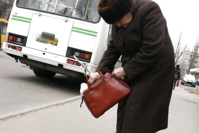 Конфліктне питання: житомирські перевізники відмовляють перевозити безкоштовно пільговиків