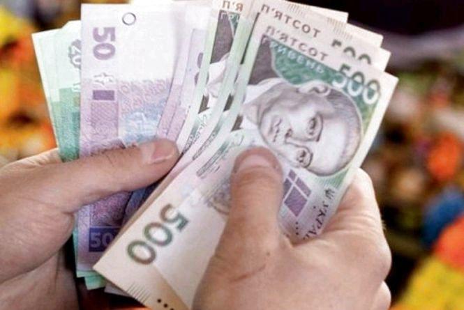 Літня житомирянка віддала шахрайці понад 70 тисяч гривень під приводом обміну старих купюр на нові