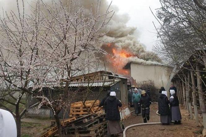 У Житомирі оголосили збір коштів на відновлення госпдвору монастиря сестер-бенедиктинок, який постраждав під час пожежі
