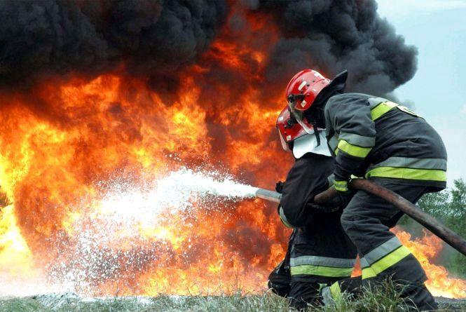 У Радомишлі на пожежі врятовано жінку-інваліда