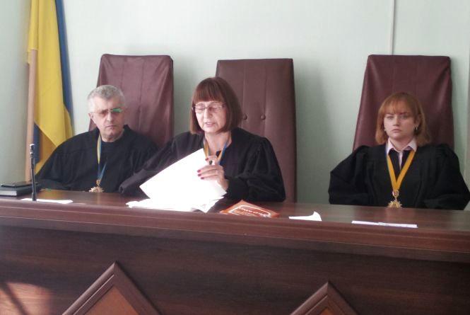 Сьогодні суд спробував нав'язати Василю Муравицькому безкоштовного адвоката і обрати новий запобіжний захід. ВІДЕО