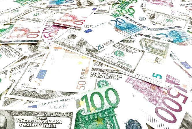 Курс валют на 23 квітня: гривня зростає