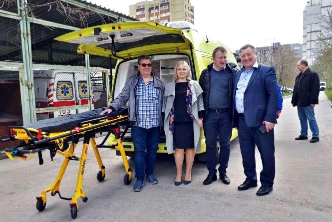 Норвезькі благодійники передали автомобіль для Центру екстреної допомоги у Житомирі