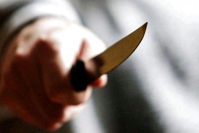 У Баранівці поліцейські розшукали та затримали чоловіка за ножове поранення жителя райцентру