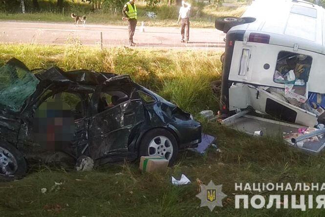 Смертельна ДТП на Овруччині: загинули молоді чоловік і жінка