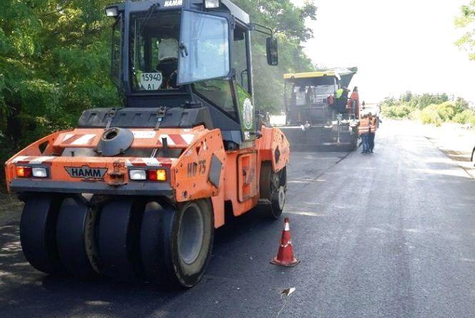 Триває ремонт дороги на Радомишль