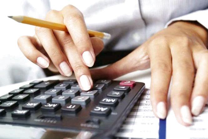 Підприємець, при отриманні доходів від підприємницької діяльності, не має права на податкову знижку
