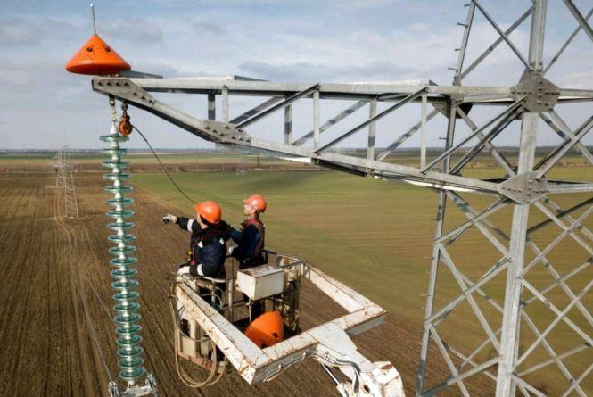 У 4 районах Житомирщини відновлюють електропостачання після грози