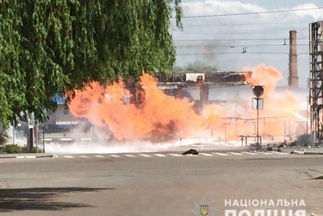 Поліція з'ясовує обставини пожежі на автозаправній станції у Житомирі