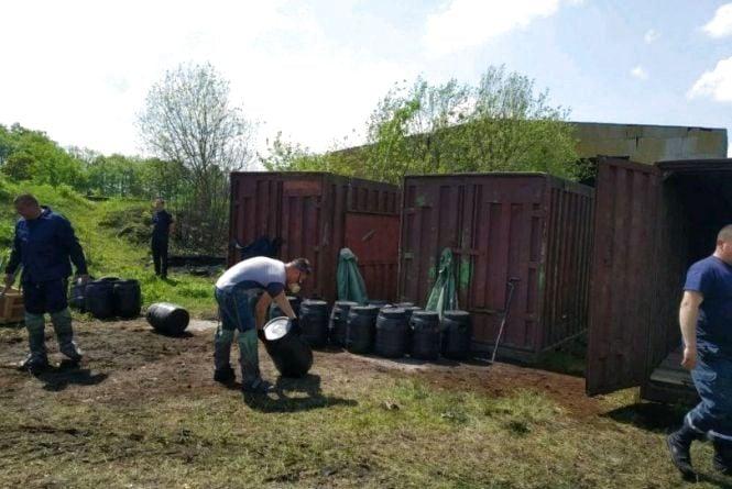 В Олевську завершилось перезатарення непридатних отрутохімікатів та пестицидів