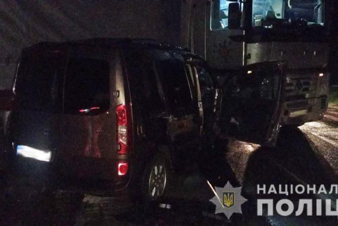 У Житомирському районі у ДТП з автопоїздом загинув водій «Мерседеса»