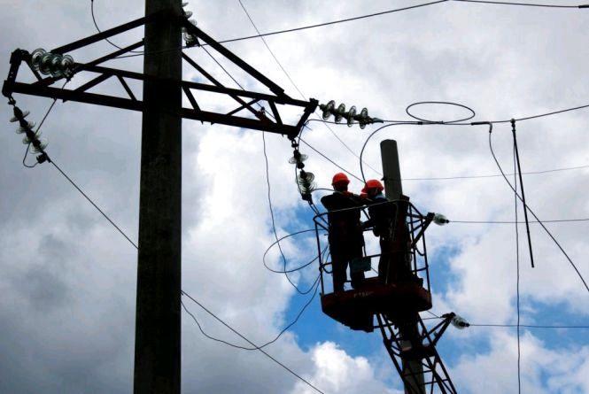 Після негоди відновлюють електропостачання у 12 населених пунктах Житомирщини