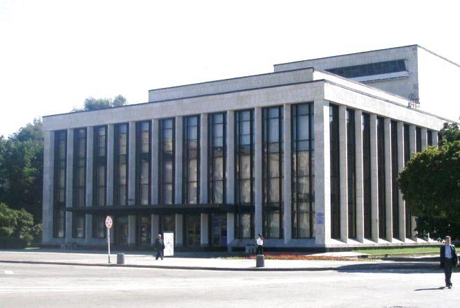 Житомирський музично-драматичний театр запрошує на вистави червня
